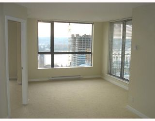"""Photo 2: 1604 814 ROYAL Avenue in New_Westminster: Downtown NW Condo for sale in """"The News North"""" (New Westminster)  : MLS®# V676839"""
