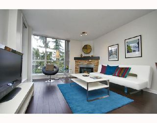 Photo 1: 324 1979 YEW Street in Vancouver: Kitsilano Condo for sale (Vancouver West)  : MLS®# V693764