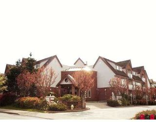 """Photo 1: 204 2229 152ND Street in White_Rock: Sunnyside Park Surrey Condo for sale in """"Semiahmoo Court"""" (South Surrey White Rock)  : MLS®# F2813826"""