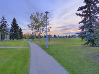 Photo 12: 1032 LAKEWOOD Road N in Edmonton: Zone 29 Townhouse for sale : MLS®# E4176231