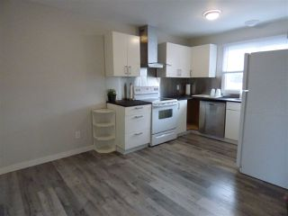 Photo 5: 1032 LAKEWOOD Road N in Edmonton: Zone 29 Townhouse for sale : MLS®# E4176231