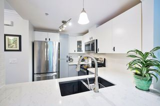 """Photo 9: 32 7488 SOUTHWYNDE Avenue in Burnaby: South Slope Townhouse for sale in """"Ledgestone"""" (Burnaby South)  : MLS®# R2459447"""