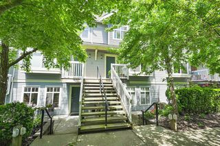 """Photo 1: 32 7488 SOUTHWYNDE Avenue in Burnaby: South Slope Townhouse for sale in """"Ledgestone"""" (Burnaby South)  : MLS®# R2459447"""