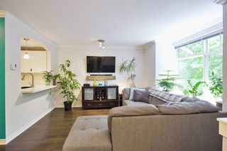 """Photo 5: 32 7488 SOUTHWYNDE Avenue in Burnaby: South Slope Townhouse for sale in """"Ledgestone"""" (Burnaby South)  : MLS®# R2459447"""