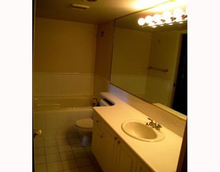 """Photo 9: 106 6188 PATTERSON Avenue in Burnaby: Metrotown Condo for sale in """"WIMBLEDON CLUB"""" (Burnaby South)  : MLS®# V793816"""
