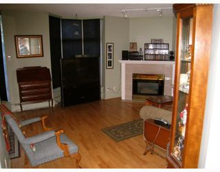 """Photo 4: 106 6188 PATTERSON Avenue in Burnaby: Metrotown Condo for sale in """"WIMBLEDON CLUB"""" (Burnaby South)  : MLS®# V793816"""
