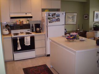 """Photo 2: 2 229 E 8TH Street in North_Vancouver: Central Lonsdale Townhouse for sale in """"THE GABLES"""" (North Vancouver)  : MLS®# V690808"""