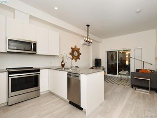 Photo 12: 103 991 McKenzie Avenue in VICTORIA: SE Quadra Condo Apartment for sale (Saanich East)  : MLS®# 417627