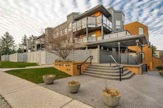 """Main Photo: 304 1830 E SOUTHMERE Crescent in Surrey: Sunnyside Park Surrey Condo for sale in """"Southmere Mews"""" (South Surrey White Rock)  : MLS®# R2423701"""