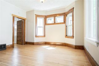 Photo 7: 689 Beverley Street in Winnipeg: West End Residential for sale (5A)  : MLS®# 202009556
