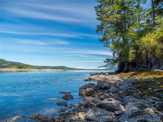 Photo 1: Clam Bay Rd, Pender Island BC V0N 2M1 in Pender Island: GI Pender Island House for sale (Gulf Islands)  : MLS®# 845033