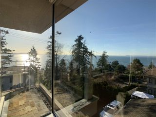 "Photo 12: 1219 MARTIN Street: White Rock Condo for sale in ""Seaview Residences"" (South Surrey White Rock)  : MLS®# R2520466"