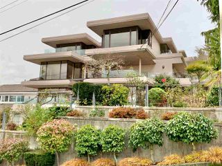 "Photo 3: 1219 MARTIN Street: White Rock Condo for sale in ""Seaview Residences"" (South Surrey White Rock)  : MLS®# R2520466"