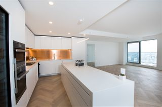 """Photo 9: 5505 1480 HOWE Street in Vancouver: Downtown VW Condo for sale in """"VANCOUVER HOUSE"""" (Vancouver West)  : MLS®# R2526869"""