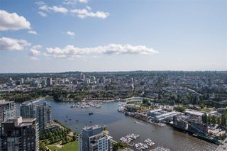 """Photo 2: 5505 1480 HOWE Street in Vancouver: Downtown VW Condo for sale in """"VANCOUVER HOUSE"""" (Vancouver West)  : MLS®# R2526869"""