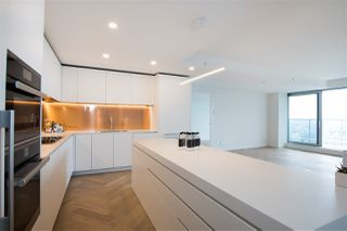 """Photo 15: 5505 1480 HOWE Street in Vancouver: Downtown VW Condo for sale in """"VANCOUVER HOUSE"""" (Vancouver West)  : MLS®# R2526869"""