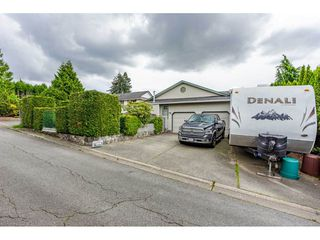 "Photo 28: 6165 192 Street in Surrey: Cloverdale BC House for sale in ""BAKERVIEW HEIGHTS"" (Cloverdale)  : MLS®# R2456052"