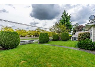 "Photo 3: 6165 192 Street in Surrey: Cloverdale BC House for sale in ""BAKERVIEW HEIGHTS"" (Cloverdale)  : MLS®# R2456052"