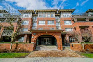 """Photo 5: 302 6815 188 Street in Surrey: Clayton Condo for sale in """"Compass"""" (Cloverdale)  : MLS®# R2457530"""