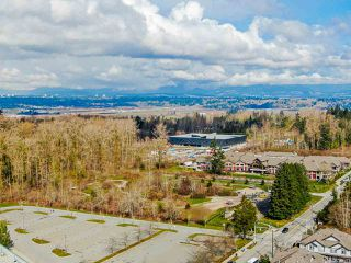 """Photo 31: 302 6815 188 Street in Surrey: Clayton Condo for sale in """"Compass"""" (Cloverdale)  : MLS®# R2457530"""