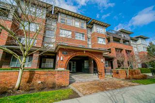 """Photo 6: 302 6815 188 Street in Surrey: Clayton Condo for sale in """"Compass"""" (Cloverdale)  : MLS®# R2457530"""