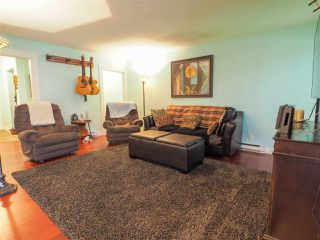 "Photo 10: 2577 THE Boulevard in Squamish: Garibaldi Highlands House for sale in ""Garibaldi Highlands"" : MLS®# R2475081"