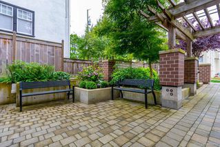 Photo 4: 309 1011 Burdett Ave in Victoria: Vi Downtown Condo for sale : MLS®# 844508
