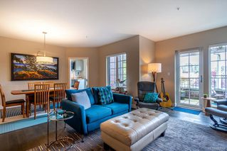 Photo 10: 309 1011 Burdett Ave in Victoria: Vi Downtown Condo for sale : MLS®# 844508