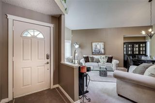 Photo 2: 12 RIVERVIEW Mews SE in Calgary: Riverbend Detached for sale : MLS®# A1031468