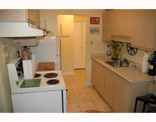 """Photo 8: 720 774 GREAT NORTHERN Way in Vancouver: Mount Pleasant VE Condo for sale in """"PACIFIC TERRACES"""" (Vancouver East)  : MLS®# V687294"""