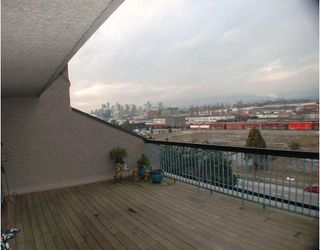 """Photo 2: 720 774 GREAT NORTHERN Way in Vancouver: Mount Pleasant VE Condo for sale in """"PACIFIC TERRACES"""" (Vancouver East)  : MLS®# V687294"""