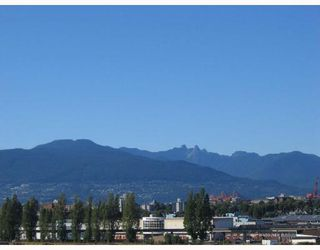 """Photo 3: 720 774 GREAT NORTHERN Way in Vancouver: Mount Pleasant VE Condo for sale in """"PACIFIC TERRACES"""" (Vancouver East)  : MLS®# V687294"""