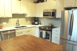 "Photo 5: PH22 5248 GRIMMER Street in Burnaby: Metrotown Condo for sale in ""Metro 1"" (Burnaby South)  : MLS®# R2426751"