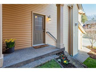 """Photo 2: 39 36169 LOWER SUMAS MTN Road in Abbotsford: Abbotsford East Townhouse for sale in """"Junction Creek"""" : MLS®# R2437633"""