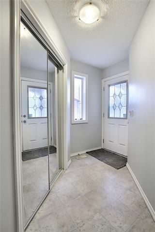 Photo 16: 33 ROYAL CREST View NW in Calgary: Royal Oak Semi Detached for sale : MLS®# C4299689