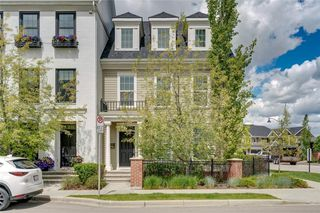 Photo 1: 132 VICTORIA CROSS Boulevard SW in Calgary: Currie Barracks Row/Townhouse for sale : MLS®# C4301242