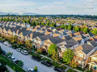 Main Photo: 6878 195A Street in Surrey: Clayton House for sale (Cloverdale)  : MLS®# R2480302