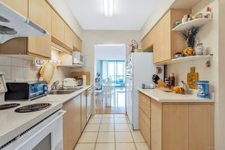 Photo 3: 806 8851 LANSDOWNE ROAD in Richmond: Brighouse Condo for sale : MLS®# R2463683