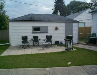 Photo 3: 221 SACKVILLE Street in Winnipeg: St James Single Family Detached for sale (West Winnipeg)  : MLS®# 2513323