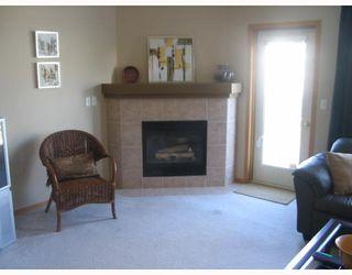 Photo 2: 49 VINELAND in WINNIPEG: Fort Garry / Whyte Ridge / St Norbert Residential for sale (South Winnipeg)  : MLS®# 2804728