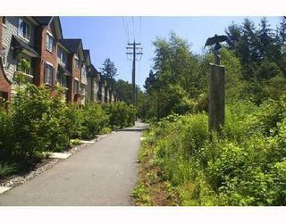 """Photo 10: 42 550 BROWNING Place in North_Vancouver: Seymour Townhouse for sale in """"TANAGER"""" (North Vancouver)  : MLS®# V709565"""
