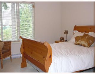 """Photo 4: 42 550 BROWNING Place in North_Vancouver: Seymour Townhouse for sale in """"TANAGER"""" (North Vancouver)  : MLS®# V709565"""