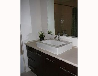 """Photo 5: 42 550 BROWNING Place in North_Vancouver: Seymour Townhouse for sale in """"TANAGER"""" (North Vancouver)  : MLS®# V709565"""