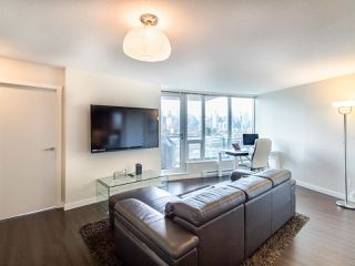 Photo 4: 603 445 W 2ND Avenue in Vancouver: False Creek Condo for sale (Vancouver West)  : MLS®# R2444949