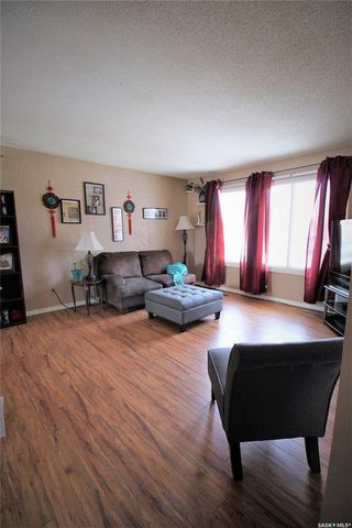 Photo 5: 177 Johnson Crescent in Canora: Residential for sale : MLS®# SK803860