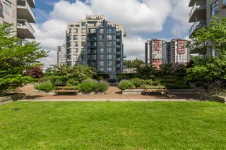 "Photo 27: 3307 898 CARNARVON Street in New Westminster: Downtown NW Condo for sale in ""AZURE I"" : MLS®# R2469814"