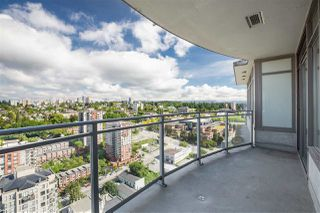 "Photo 1: 3307 898 CARNARVON Street in New Westminster: Downtown NW Condo for sale in ""AZURE I"" : MLS®# R2469814"