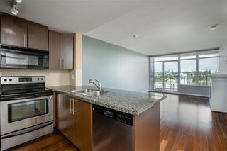 "Photo 2: 3307 898 CARNARVON Street in New Westminster: Downtown NW Condo for sale in ""AZURE I"" : MLS®# R2469814"