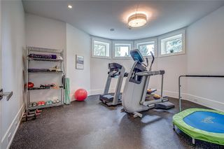 Photo 39: 1122 VALOIS Avenue SW in Calgary: Upper Mount Royal Detached for sale : MLS®# C4301834