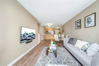Photo 8: 1709 13688 100 Avenue in Surrey: Whalley Condo for sale (North Surrey)  : MLS®# R2520100